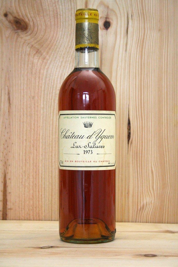 Ένα μπουκάλι Sauternes, ενισχυμένος λευκός οίνος.